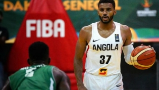 Benfica de Lisboa contrata filho de Jean Jacques para a equipa de basquetebol
