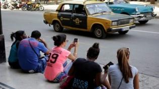 Cuba vai disponibilizar acesso total à Internet aos seus cidadãos nos telemóveis