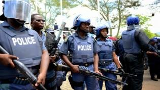Polícia sul-africana prende três pessoas ligadas ao processo contra Jacob Zuma