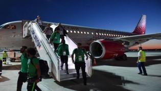 Avião da seleção da Arábia Saudita pega fogo