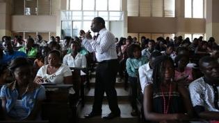 Salários dos docentes universitários em Angola sobem 80 por cento