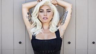 Lady Gaga publica fotos nua nas redes sociais