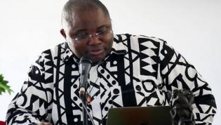"""Corrupção é """"a causa maior"""" das dificuldades em Angola, diz novo bispo de Cabinda"""