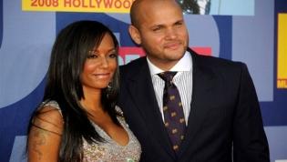 Mel B acusa ex-marido de filmar cenas de sexo a três sem consentimento