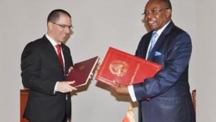 Angola e Venezuela acertam reforço da cooperação nos petróleos e diamantes