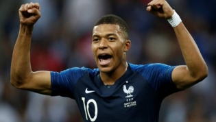 França vence Croácia na final e é bicampeã da Copa